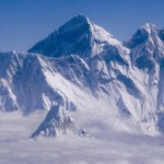 mt-everest-avalanche-pictures-005