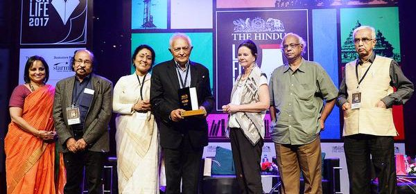 CHENNAI, 15/01/2017: Geraldine Brooks (3rd from right) , Pulitzer Prize Winning Author presenting a  The Hindu prize winner 2016 to Kiran Doshi at the Lit For Life  on Sunday. Nirmala Lakshman (extreme  left) , Director Kasturi & Sons Ltd. and  Jury Members are in the picture. Photo: R. Ragu